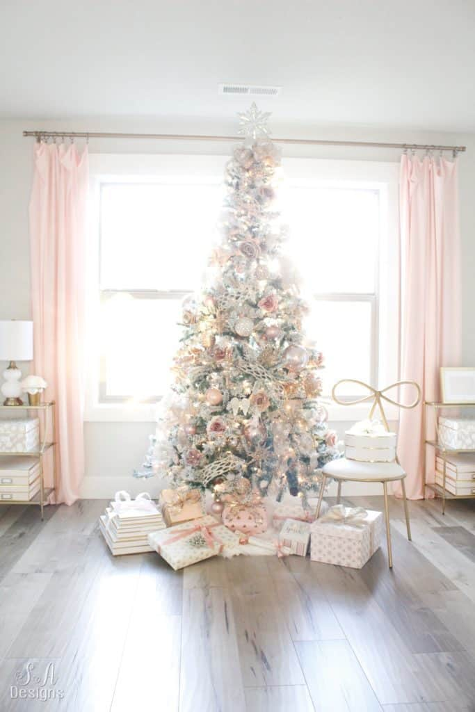 31 Amazing Christmas Trees To Inspire You