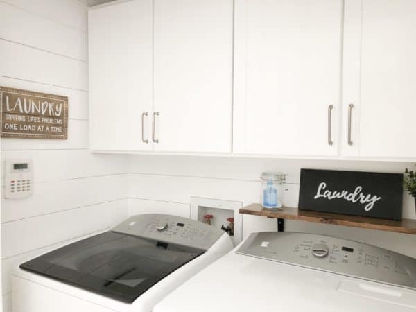 How to Create a Farmhouse Style Laundry Room