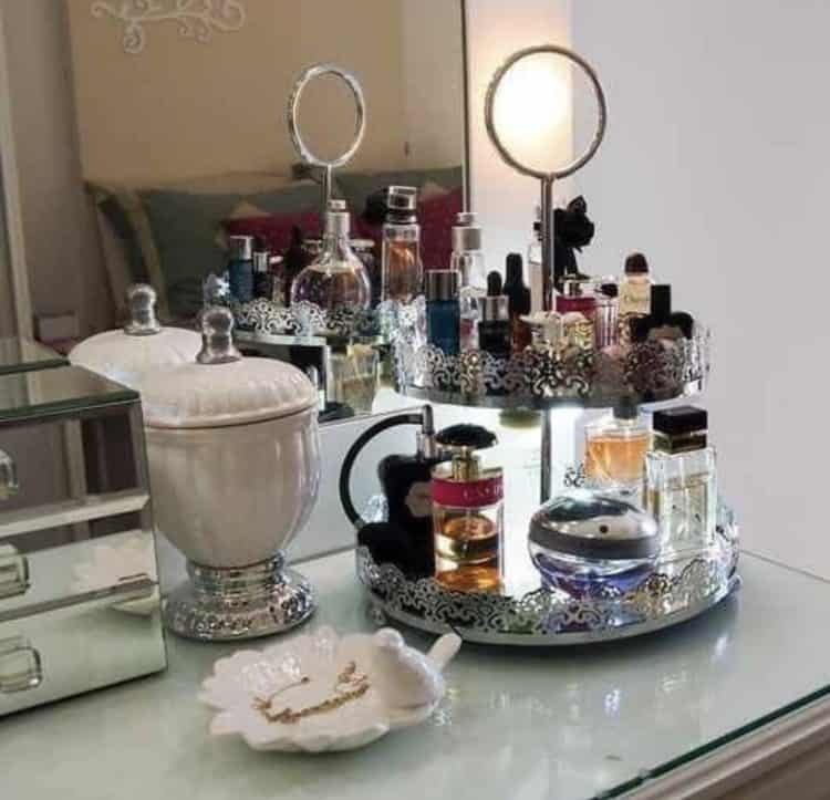 I am all about getting my home organized right now after all the DIY projects. Something caught my eye the other day, my daughters vanity. It's so organized and she has done an amazing job of doing some DIY stuff for organizing as well as purchasing some things. So I thought what a great idea to put together a post on makeup organization ideas.