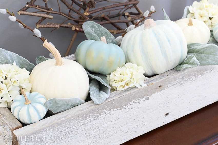 Today I have put together an amazing round up of DIY Fall decor on a budget. You will see lots of great projects that others have done and saved a ton of money by not going out and purchasing these items. And they are all one of a kind!