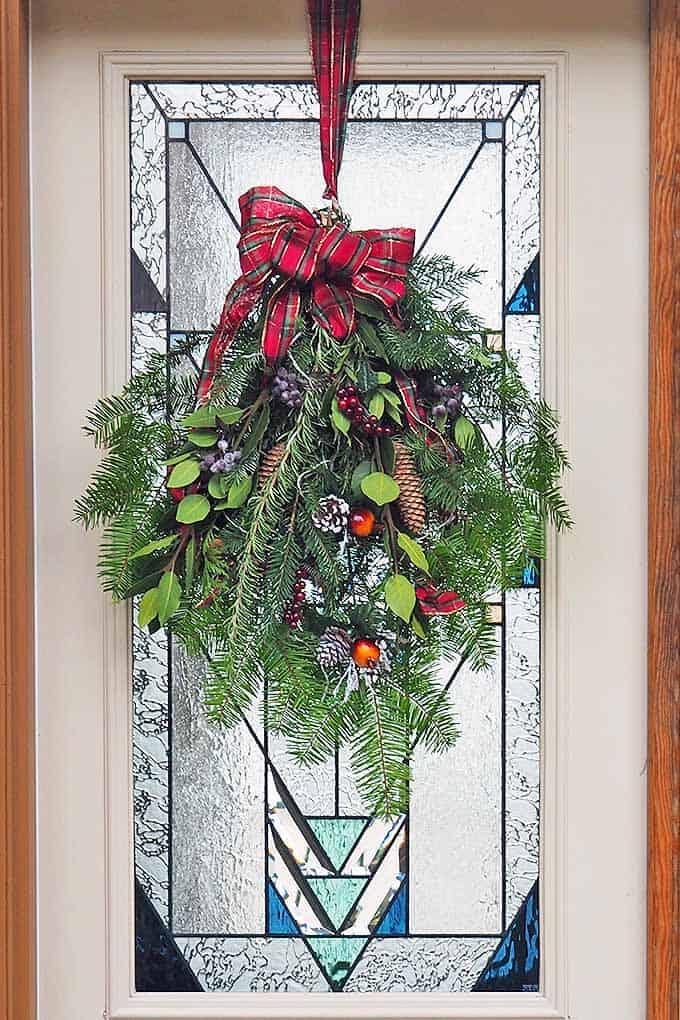 Farmhouse Christmas Decor - Beautiful front door swag