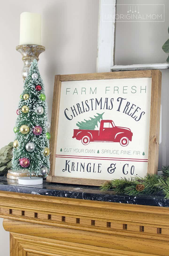 Farmhouse christmas decor, a farmhouse christmas sign
