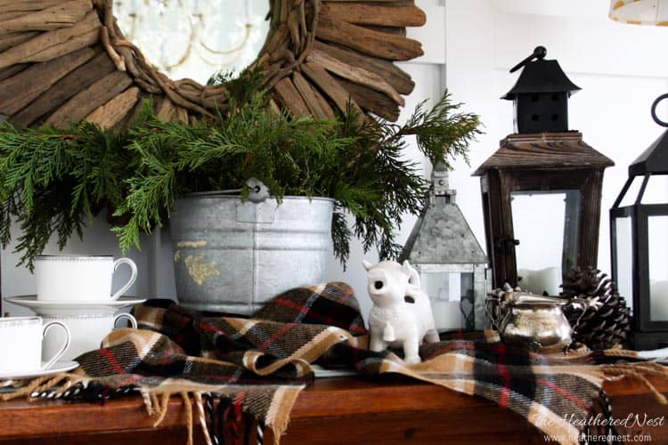 Great example of winter decor using items from nature.