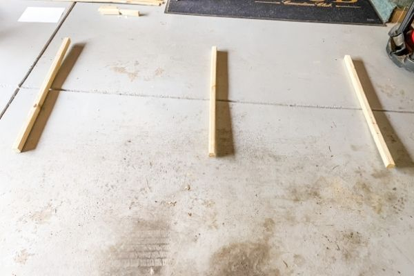 This shows the vertical supports laying on my garage floor.