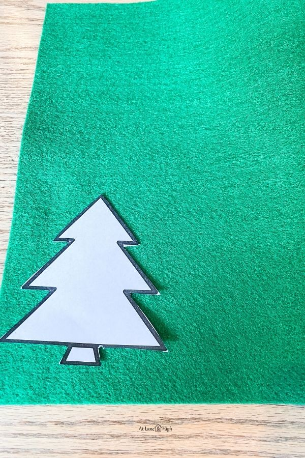 Place the template on the green felt.